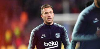 Barcelona-pretende-convencer-Arthur-a-ir-para-a-Juventus-diz-site