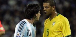 Barcelona-Felipe-Melo-revelou-como-tentava-parar-Lionel-Messi