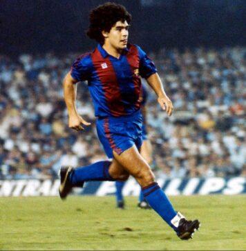 Barcelona-homenageia-Maradona-por-dois-anos-de-magia-no-Camp-Nou