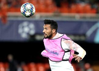 Barcelona-e-Liverpool-disputam-a-contratação-de-Ezequiel-Garay