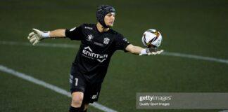 Barcelona-Ter-Stegen-presenteia-Ramon-Juan-do-Cornellà-apos-boa-atuação-do-goleiro